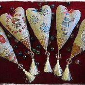 Куклы и игрушки ручной работы. Ярмарка Мастеров - ручная работа Сердечки Тильда с вышивкой и секретом. Handmade.