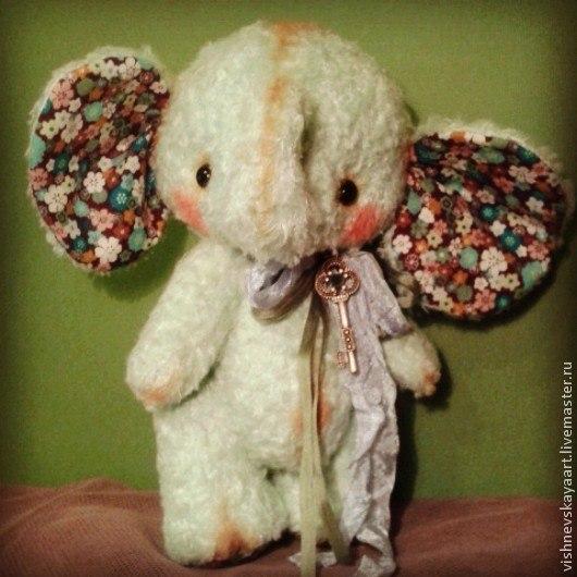 Мишки Тедди ручной работы. Ярмарка Мастеров - ручная работа. Купить Слонёнок. Handmade. Салатовый, удача, добрый, ушки, слоники