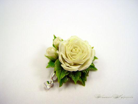 """Кулоны, подвески ручной работы. Ярмарка Мастеров - ручная работа. Купить Кулон """"Белая роза с бутонами"""". Цветы из полимерной глины.. Handmade."""