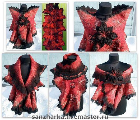 """Теплый и нежный шарф """"Гладиолус""""   был выполнен из австралийского мериноса 18 микрон с шелком и натуральной шелковой ткани. Были использованы также волокна морских водорослей, бисер, бусины"""