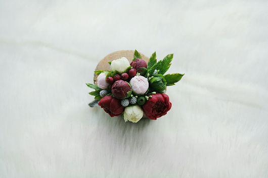 """Броши ручной работы. Ярмарка Мастеров - ручная работа. Купить Брошь """"Пионы, брусника, бруния и зелень"""". Handmade. Бордовый, цветы"""