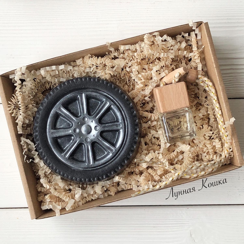 Подарочный набор мыло колесо большое и ароматизатор для авто, Автомобильные сувениры, Москва,  Фото №1