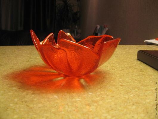 """Подсвечники ручной работы. Ярмарка Мастеров - ручная работа. Купить Фьюзинг. Конфетница """"Красные цветы"""". Handmade. Ярко-красный"""