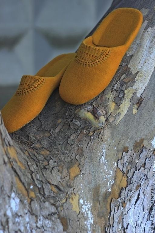 """Обувь ручной работы. Ярмарка Мастеров - ручная работа. Купить """"Золото инков"""" мужские тапочки валяные. Handmade. Золотой, осень"""