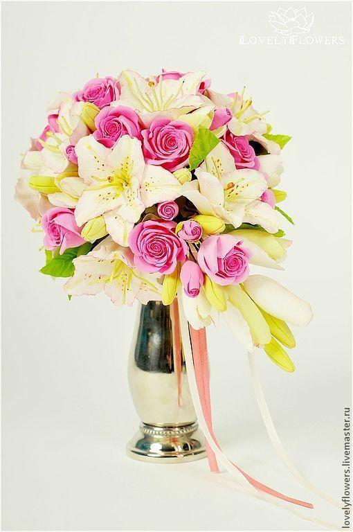 Свадебные цветы ручной работы. Ярмарка Мастеров - ручная работа. Купить Каскадный букет невесты с лилиями. Цветы из полимерной глины.. Handmade.