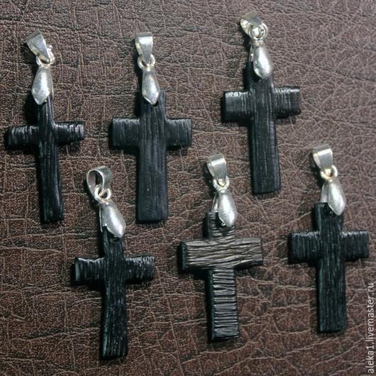 Крестики из восточноиндийского палисандра.
