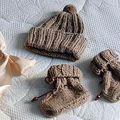 Работы для детей, ручной работы. Ярмарка Мастеров - ручная работа Шапочка и пинетки для новорожденного. Handmade.