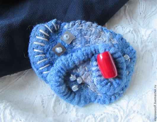 """Броши ручной работы. Ярмарка Мастеров - ручная работа. Купить Брошь """"ЗИМА"""". Handmade. Голубой, голубой цвет, шерсть"""