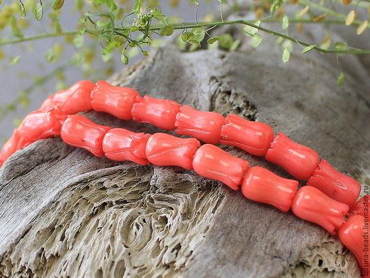 Бусины резные из натурального коралла, в форме цветочка тюльпана Бусины резного коралла тонированы в розовый цвет Бусины коралла вымочены, и не окрашиваются при использовании и намокании