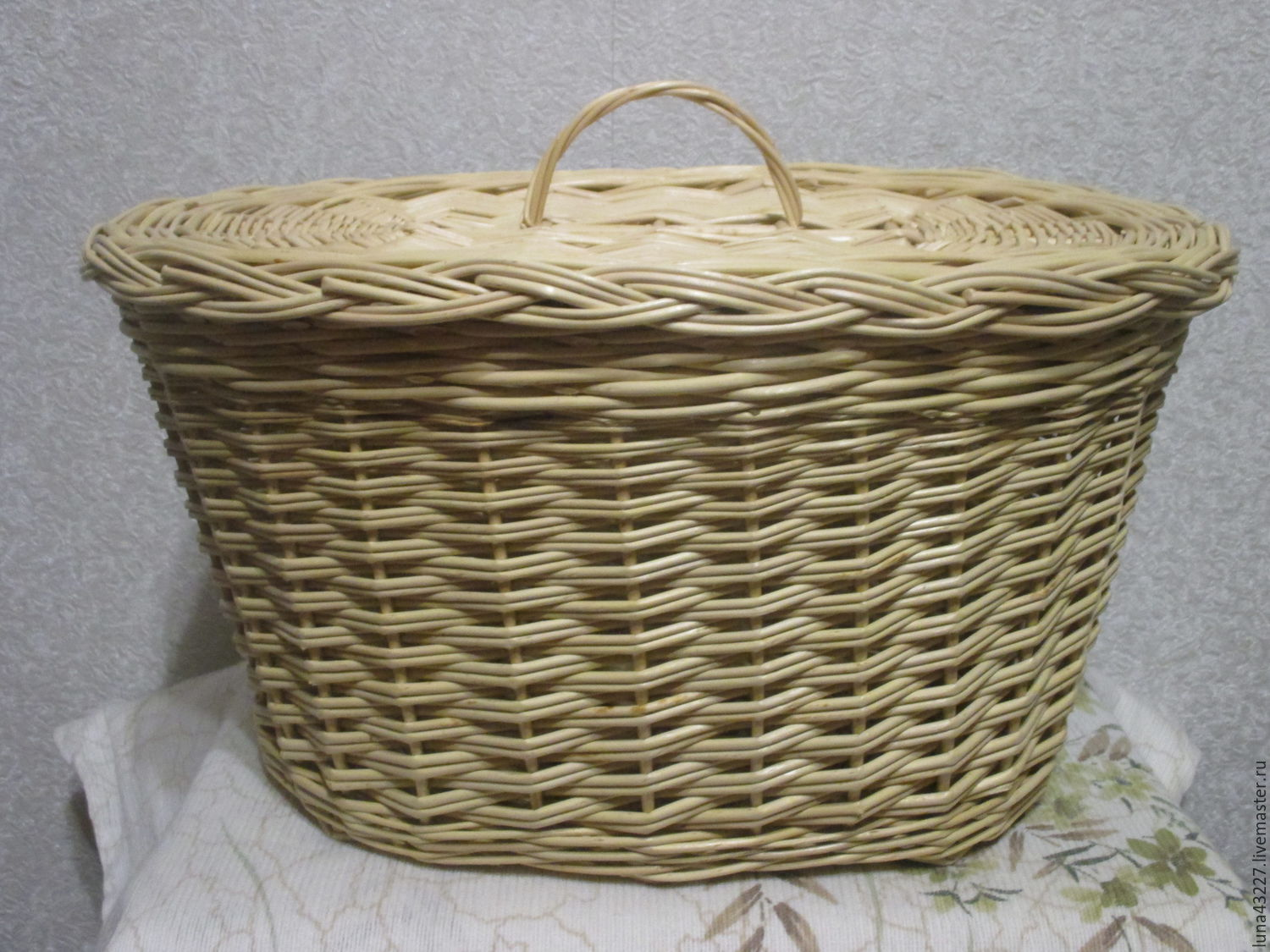 Wicker oval basket out of vines with cover, Basket, Kirovo-Chepetsk,  Фото №1