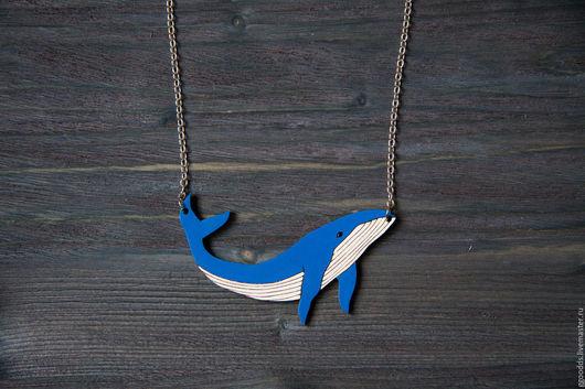 Колье, бусы ручной работы. Ярмарка Мастеров - ручная работа. Купить Кулон колье Синий кит деревянный. Handmade. Синий