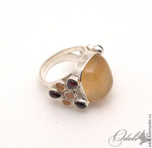 Кольца ручной работы. Ярмарка Мастеров - ручная работа. Купить Серебряный перстень с сердоликом и гранатом Осенний блюз. Handmade. Рыжий