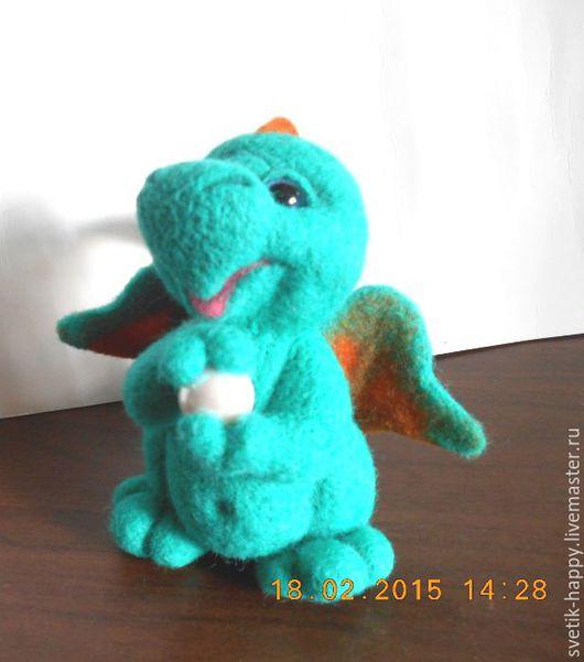 """Игрушки животные, ручной работы. Ярмарка Мастеров - ручная работа. Купить игрушка из шерсти """"Веселый дракончик"""". Handmade. Морская волна"""