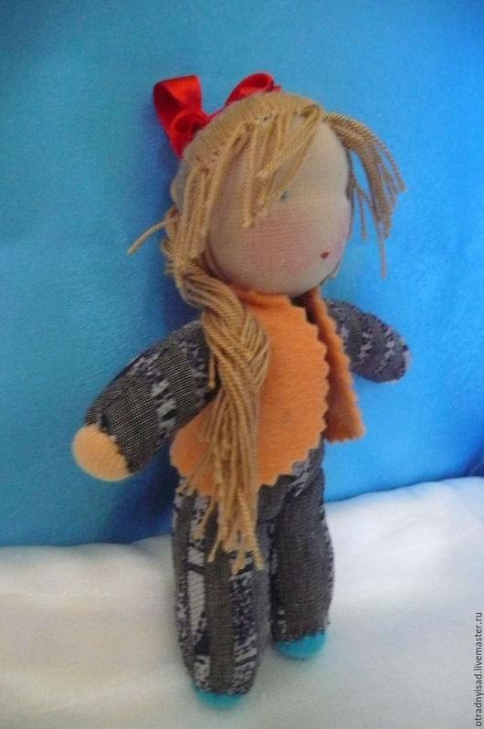 Вальдорфская игрушка ручной работы. Ярмарка Мастеров - ручная работа. Купить Кукла в комбинезоне Света. Handmade. Вальдорфская кукла