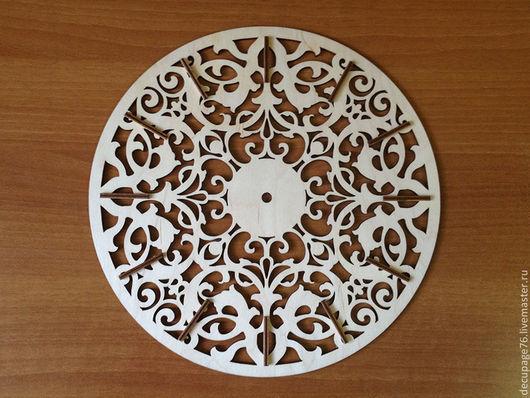 Часы ажурные (продаются в разобранном виде) Материал: фанера 4 мм Размер: d-30см