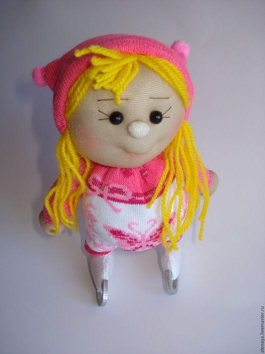 Человечки ручной работы. Ярмарка Мастеров - ручная работа. Купить Кукла. Пупсик. Фигуристка.. Handmade. Розовый, талисман на удачу, бусины