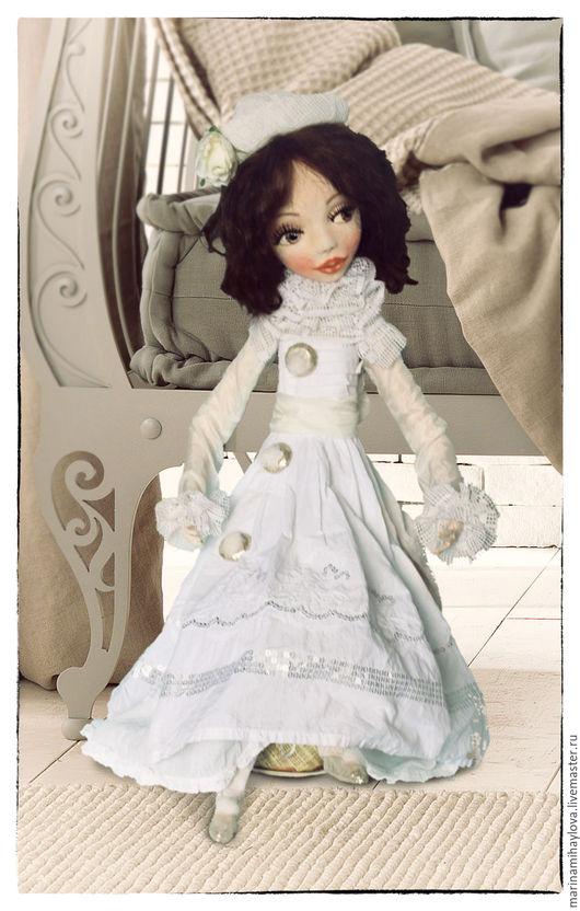 Коллекционные куклы ручной работы. Ярмарка Мастеров - ручная работа. Купить Коломбина коллекционная текстильная кукла. Handmade. Белый