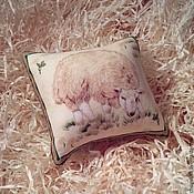 Для дома и интерьера ручной работы. Ярмарка Мастеров - ручная работа Сувенирная подушечка с овечкой.. Handmade.
