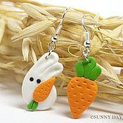 """Серьги классические ручной работы. Ярмарка Мастеров - ручная работа Серьги """"Про зайчика и морковку"""". Handmade."""