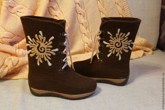 """Обувь ручной работы. Ярмарка Мастеров - ручная работа. Купить Валяные сапожки """" Солнышки"""". Handmade. Коричневый, Валяные ботинки"""