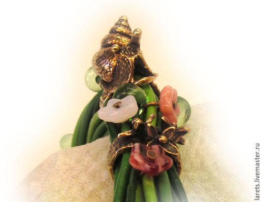 Браслеты ручной работы. Ярмарка Мастеров - ручная работа. Купить Вы едали первые цветы? )) Браслет на кожаных шнурах (Улитка 2). Handmade.