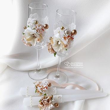 Свадебный салон ручной работы. Ярмарка Мастеров - ручная работа Золотистые свадебные бокалы с цветами и бусинами. Handmade.