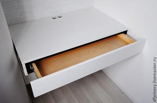 Мебель ручной работы. Ярмарка Мастеров - ручная работа. Купить Письменный стол из дерева. Handmade. Белый, алюминий, столешница, модерн
