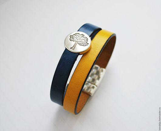 Браслеты ручной работы. Ярмарка Мастеров - ручная работа. Купить Кожаный браслет с бусиной дерево, желто-синий. Handmade. Разноцветный