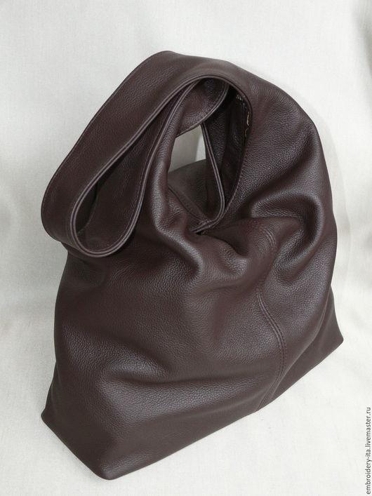 Сумка кожаная женская мягкой формы. Цвет темно-коричневый. Ручная работа.