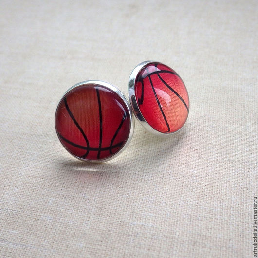 Серьги Баскетбольный мяч - подарок баскетболистке. Серьги-гвоздики в виде баскетбольного мяча. Украшение на тему спорт, баскетбол. Купить серьги баскетбольный мяч