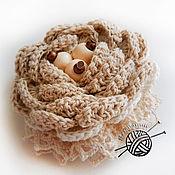 Украшения ручной работы. Ярмарка Мастеров - ручная работа Брошь-бохо из матового хлопка с деревянными бусинами. Handmade.
