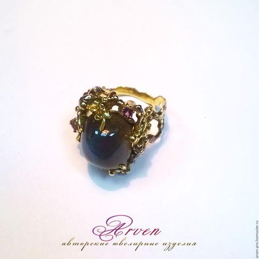 Кольцо из золота с лабрадором. Под заказ.
