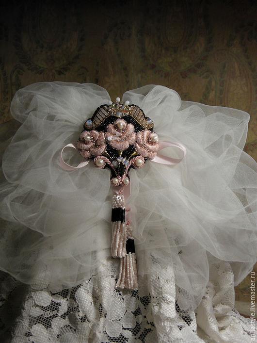 """Броши ручной работы. Ярмарка Мастеров - ручная работа. Купить Брошь """"Три розы"""". Handmade. Бледно-розовый, розовая роза"""