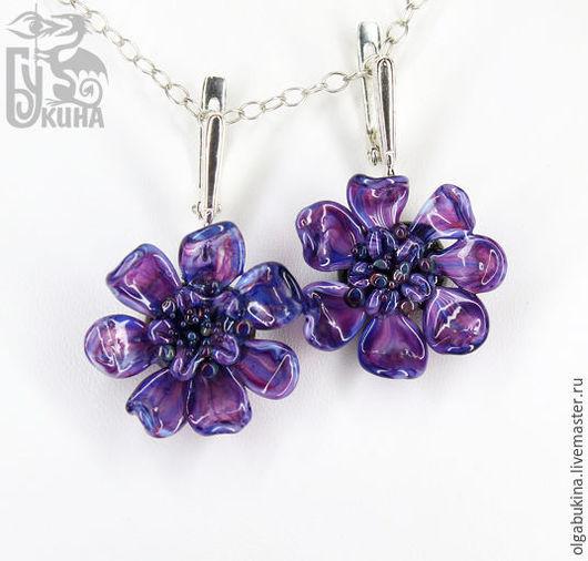 Серьги ручной работы. Ярмарка Мастеров - ручная работа. Купить Серьги цветы из стекла лэмпворк Любимый фиолетовый. брусничный. Handmade.