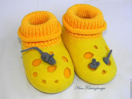 Обувь ручной работы. Ярмарка Мастеров - ручная работа. Купить Валяные детские тапочки Сыр. Handmade. Валяние, тапочки сыр