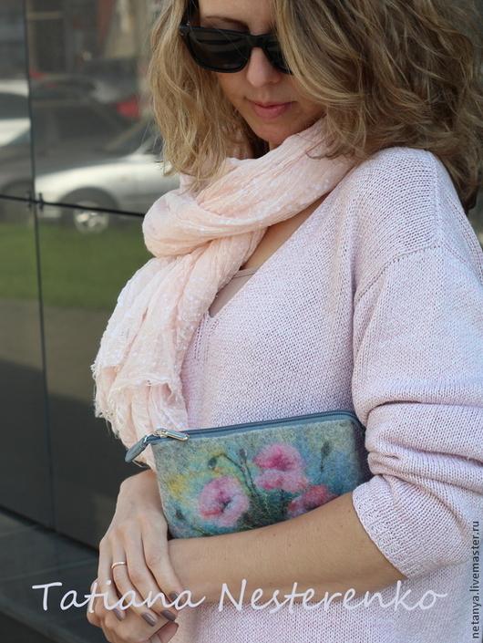 """Для телефонов ручной работы. Ярмарка Мастеров - ручная работа. Купить Сумочка для телефона """"Розовый флер"""". Handmade. Серый"""