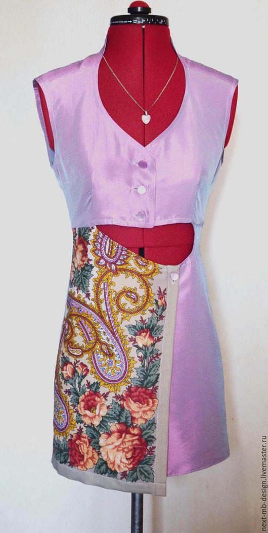 Авторское платье ручной работы. Маленькое сиреневое платье из переливающейся тафты и павловопосадского платка изящно подчеркнёт красоту молоденькой девушки.