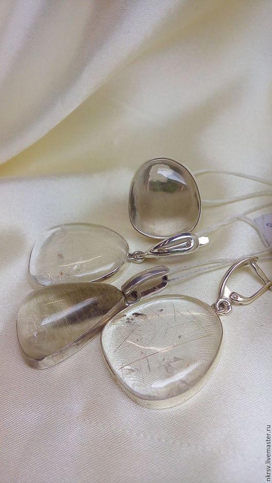 Комплект украшений ручной работы из натурального волосатика в серебре.