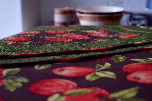 Текстиль, ковры ручной работы. Ярмарка Мастеров - ручная работа. Купить Осенние яблоки. Handmade. Раннер, красное яблоко, утеплитель