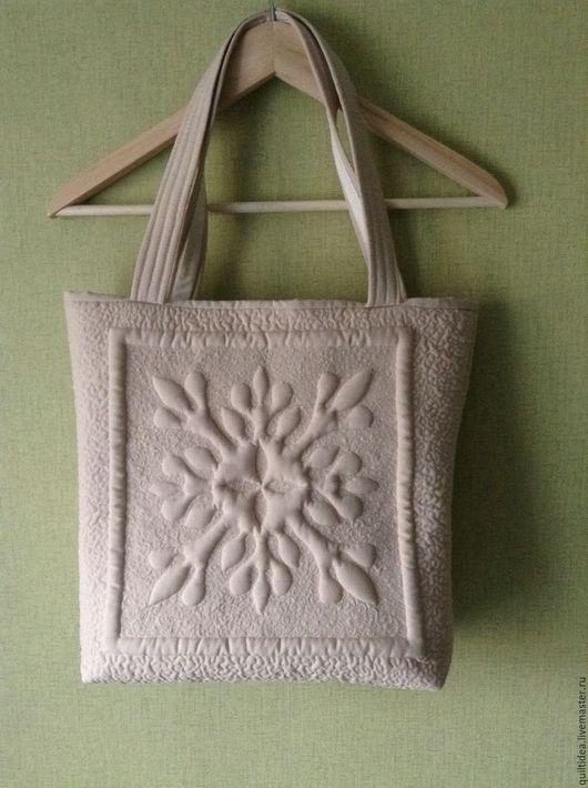 сумка женская, сумка из ткани, трапунто, сумка стеганая, квилтинг, сумка текстиль, сумка летняя, сумка на плечо, сумка на локте,текстильная сумка, кремовый, песочный, бежевый