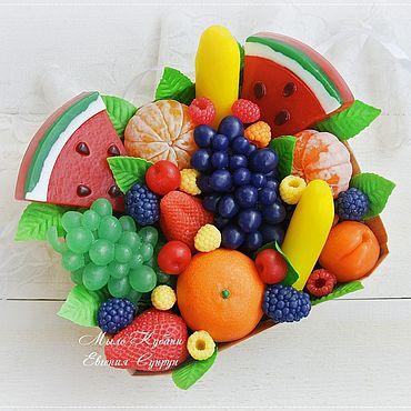 """Косметика ручной работы. Ярмарка Мастеров - ручная работа """"Лукошко с фруктами 3"""" мыло ручной работы, мыльные ягоды подарок. Handmade."""