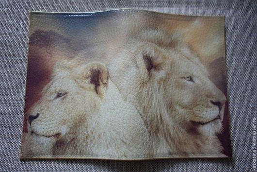 """Обложки ручной работы. Ярмарка Мастеров - ручная работа. Купить Обложка на паспорт """"Пара белых львов"""". Handmade. Белый"""