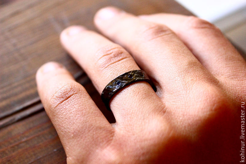обручальные кольца из черного золота