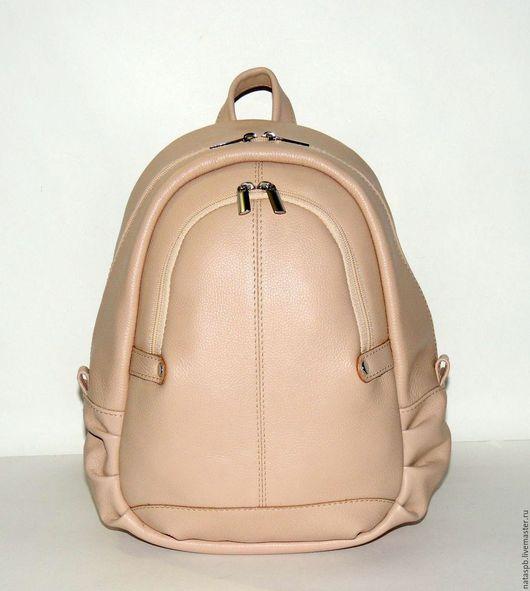 Рюкзак «Джесс» - комфортный аксессуар — рюкзачки такой конструкции удобно «сидят на спине», он вместительный, несмотря на небольшие размеры.