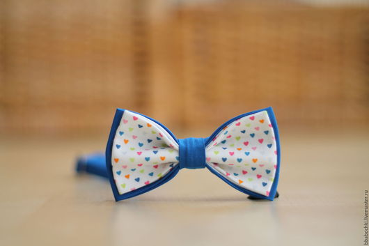 Галстуки, бабочки ручной работы. Ярмарка Мастеров - ручная работа. Купить Бабочка с разноцветными сердечками детская/взрослая. Handmade. Комбинированный