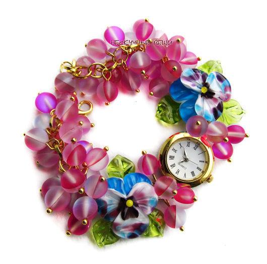 """Часы ручной работы. Ярмарка Мастеров - ручная работа. Купить """"Малиновые блики"""" часы с бусинами лэмпворк. Handmade. Часы"""