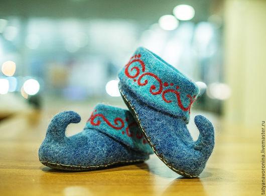 Обувь ручной работы. Ярмарка Мастеров - ручная работа. Купить Войлочные тапочки Волшебная фантазия. Handmade. Тёмно-синий, голубой