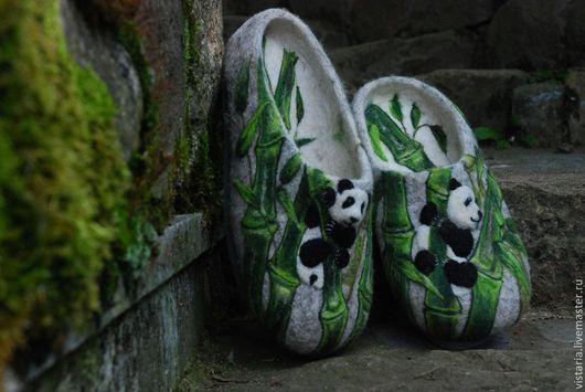 Обувь ручной работы. Ярмарка Мастеров - ручная работа. Купить Тапочки «Панды». Handmade. Серый, шерсть 100%