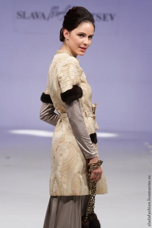 Верхняя одежда ручной работы. Ярмарка Мастеров - ручная работа. Купить Платье-плащ с норкой и кружевом. Handmade. Бежевый