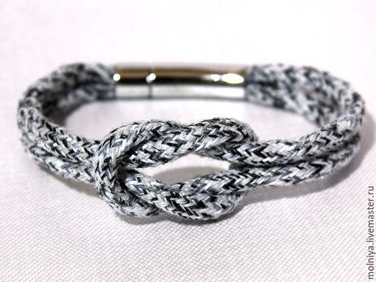 Светло-серый браслет с узлом. Морской стиль.